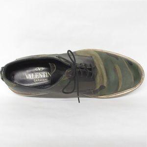 VALENTINO GARAVANI size 42 camoflage ROCKSTUD shoe